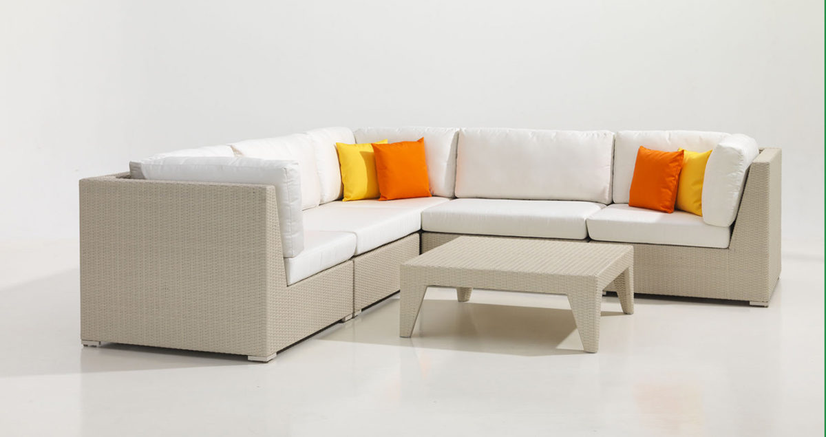 Tips on Buying Synthetic Rattan Furniture