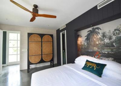 bedroom with chicken eye - bali luxury villa